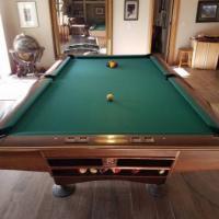 Brunswick Gold Crown 9 Pool Table